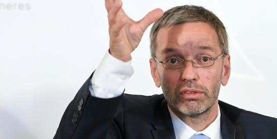 FPÖ-Klubchef Herbert Kickl wettert gegen die Regierung.