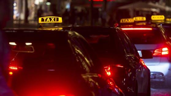 Das Gericht gibt damit einer Klage vorläufig recht, die das Taxi-Unternehmen Taxi 40100 im Frühjahr dieses Jahres eingebracht hatte.
