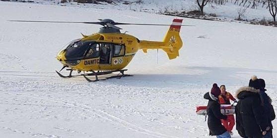 Die Frau wurde bei dem Rodelunfall lebensgefährlich verletzt und musste ins Spital geflogen werden. Symbolbild.