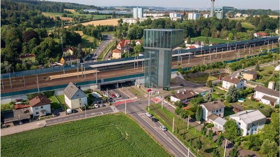 Die Seilbahn-Station beim Bahnhof Ebelsberg könnte so aussehen.