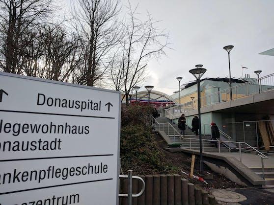 Der Bub wurde nach der Erstversorgung ins Donauspital geflogen.