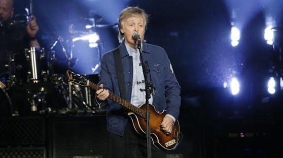 """Musik-Legende Sir Paul McCartney hat mit seinem neuen Album """"McCartney III"""" auf Anhieb die US-Chartspitze erklommen."""