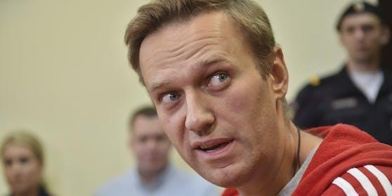 Kreml-Kritiker Alexej Nawalny hatte schon 2018 Probleme mit der russischen Regierung: Der russische Oppositionsführer Alexej Nawalny wurde am 14. Juni 2018 nach dreißig Tagen in Haft wieder in die Freiheit entlassen.