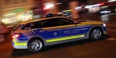 Auto flieht vor Polizei, kracht in Baum - 2 Tote
