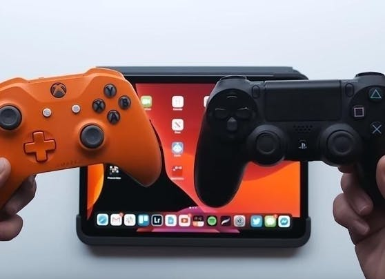 Du kannst auch PS4- und Xbox-One-Controller mit deinem iPhone und iPad nutzen. Damit lassen sich Games einfacher steuern. Spannend dürfte das auch für den Arcade-Dienst sein, den Apple diesen Monat startet. Das Game-Abo kostet 5 Euro pro Monat.