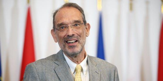 Bildungsminsiter Heinz Faßmann präsentiert neue Lockerungen an den Schulen