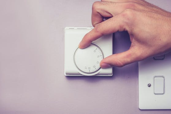 Für immer mehr Menschen wird Energie zum teuren Luxus.