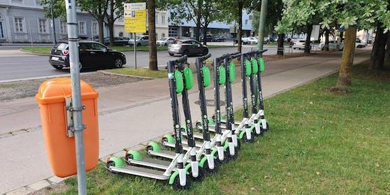 Linz hat jetzt einige Parkplätze für Leih-E-Scooter.