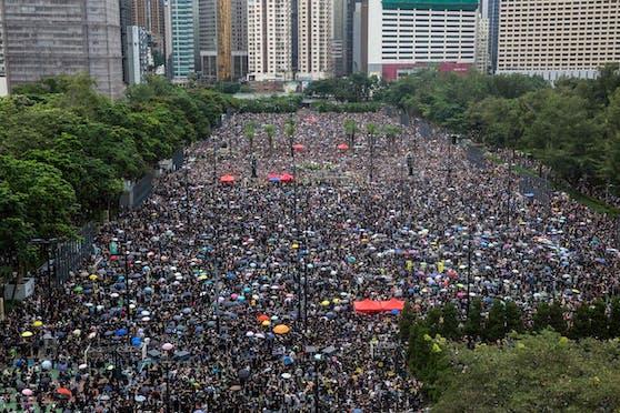 Riesen-Demonstration im Hongkonger Victoria Park.