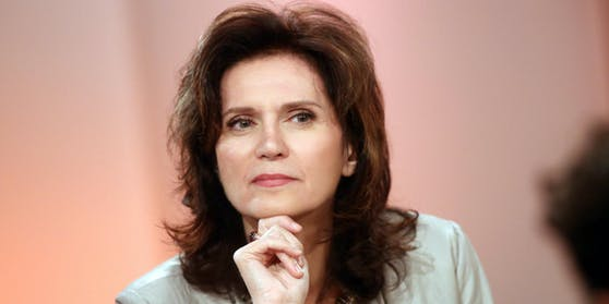 Star-Anwältin Astrid Wagner verteidigt den Diplomaten-Bruder.