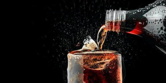 Schon eine einzige Dose Cola löst im Körper so einiges aus.