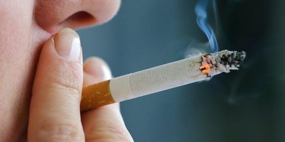 Sollte sie ihm nicht zwei Packungen Zigaretten bringen, drohte ein 12-Jähriger einem Mädchen mit dem Umbringen.