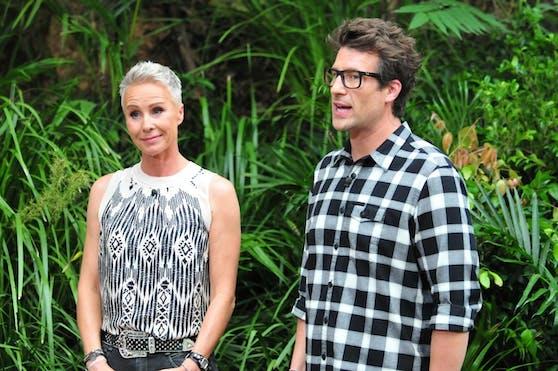 Sonja Zietlow und Daniel Hartwich bei einer Dschungelprüfung.