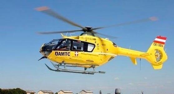 Der ÖAMTC-Hubschrauber C9 hob ab.