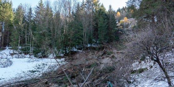 Eine zweite Mure verletzte die B99 in Kärnten.