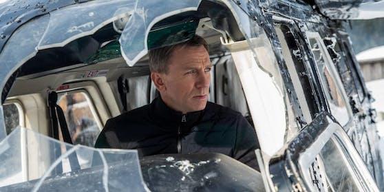 """Keine guten Aussichten für James-Bond-Fans. Es heißt weiterhin """"Bitte warten""""."""