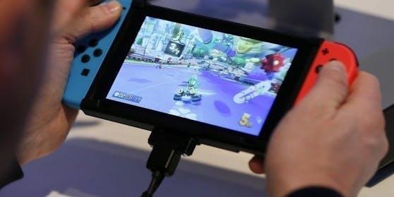 Die Nintendo Switch liegt bei den Handheld-Konsolen ganz vorne