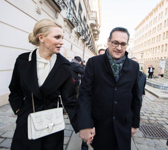 FPÖ-Chef Heinz-Christian Strache mit seiner Frau Philippa.