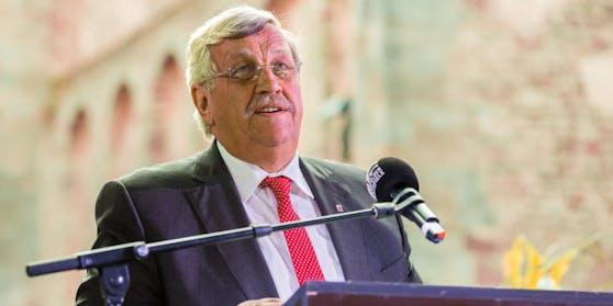 Der CDU-Politiker Walter Lübcke war am 2. Juni 2019 vor seinem Haus mit einem Kopfschuss getötet worden. Die Behörden gehen von einem rechtsextremen Motiv aus.