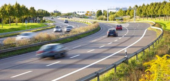 Mit Tempomat fährt man gleichmäßiger und ruhiger.