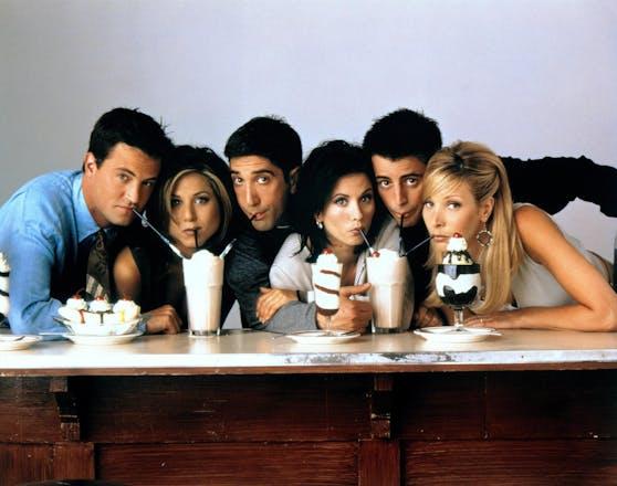 """Mit der TV-Serie """"Friends"""" wurde Jennifer Aniston (2.v.li.) Anfang der 90er berühmt. Doch mit ihrer Rolle legte sie sich einige Steine in den Weg."""