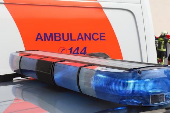 In jedem Falle solltest du aber den Rettungs-Notruf (144 oder 112) betätigen.