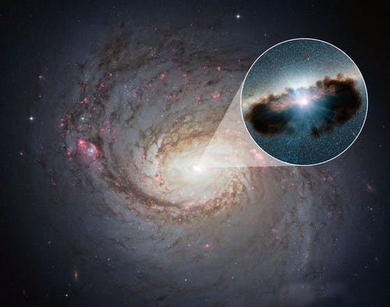 """Im Zentrum der Milchstraße befindet sich das wohl bislang am besten untersuchte schwarze Loch. Es hat aber """"nur"""" vier Millionen Sonnenmassen."""
