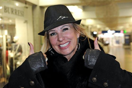 Claudia Norberg nahm 2020 zwar selbst am Dschungelcamp teil, will sich aber vermutlich lästige Nachfragen über ihren Exmann ersparen.
