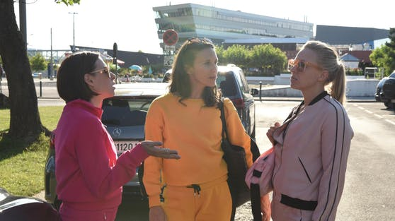 Caro (Martina Ebm), Wally (Maria Köstlinger) und Nicoletta (Nina Proll) haben wieder einiges zu diskutieren.