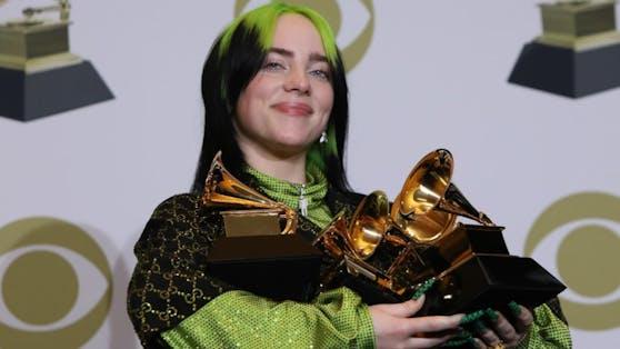Mit nur 18 Jahren ist Billie Eilish mehrfache Grammy-Preisträgerin. Ihre größten Hits komponiert die Sängerin am liebsten im eigenen Kinderzimmer.