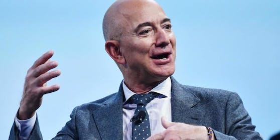 Jeff Bezos aus den USA war im Oktober 2020 mit einem Vermögen von rund 189,5 Milliarden US-Dollar der reichste Mensch der Welt.