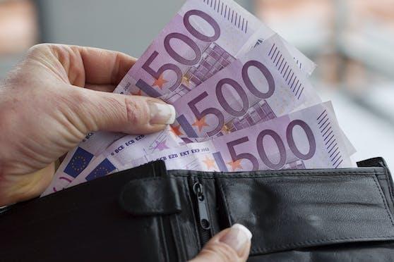 Bis zu 500 Euro mehr würden die Luxuspensionäre der Nation bekommen.