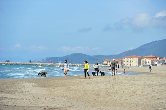 Italien-Urlaub am Strand dürfte trotz Corona möglich sein.