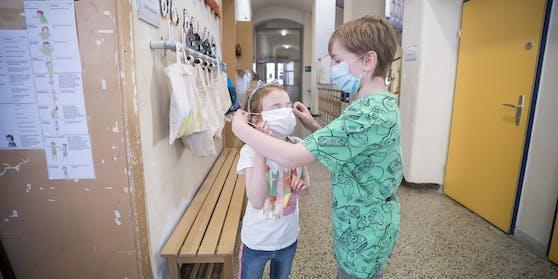 Masken im Schulgebäude sollen im Herbst ein Comeback feiern, geht es nach Paul Kimberger.