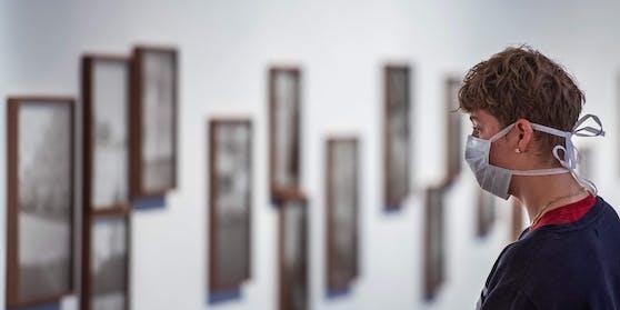 Für Museums-Besucher ist ein Mund-Nasen-Schutz ist Pflicht.