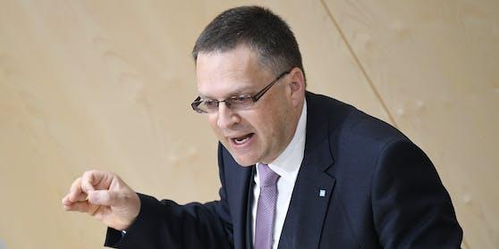 ÖVP-Klubchef August Wöginger fordert den Rücktritt von FPÖ-Klubobmann Herbert Kickl.