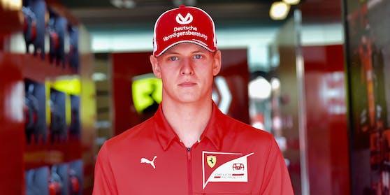 Mick Schumacher will in die großen Fußstapfen seines Vaters treten.