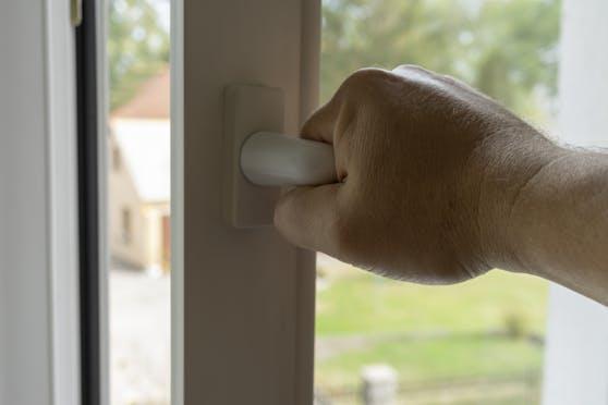 Eine gute Dämmung lässt die Hitze gar nicht erst in das Haus hinein.