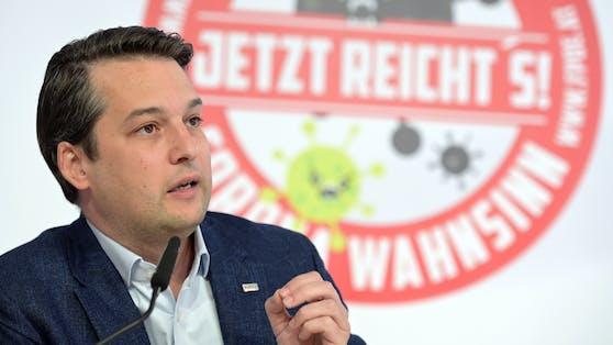 """Der Wiener FPÖ-Landeschef Dominik Nepp kritisiert """"Kinderquälerei"""" und """"Schwachsinn der Sonderklasse"""""""