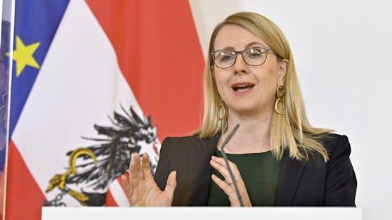 Margarete Schramböck (ÖVP)