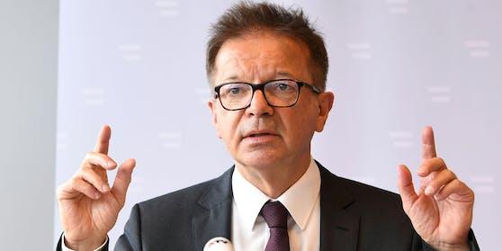 Gesundheitsminister Rudolf Anschober im Rahmen einer Pressekonferenz