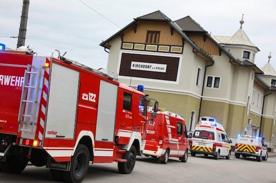 Aus Angst, seinen Zug nach Hause zu verpassen, lief ein 15-Jähriger aus Perg (Oberösterreich) über die Gleise und wurde frontal von einem einfahrenden Personenzug erfasst. Der Jugendliche ist außer Lebensgefahr.