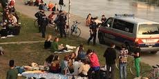 Wiener drängen sich trotz Corona am Donaukanal