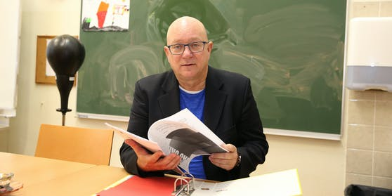 """Jeden Montag gibt Schuldirektor Niki Glattauer in """"Heute"""" Noten."""
