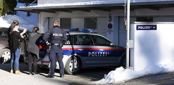 Die Frau alarmierte die Polizei.
