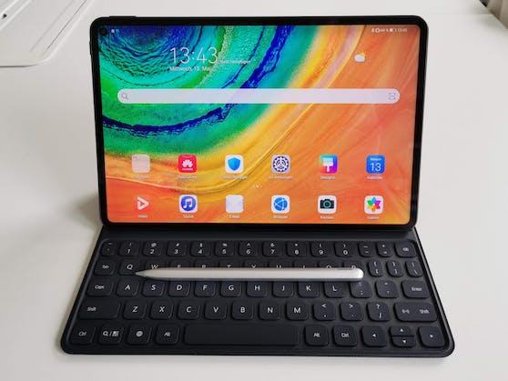 Das neue Tablet bietet mit dem Stylus M-Pencil und dem Tastatur-Cover eine interessante Alternative zu klassischen Laptops.
