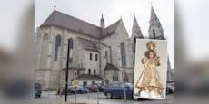 Jesuskind aus Dom in Wr. Neustadt entführt