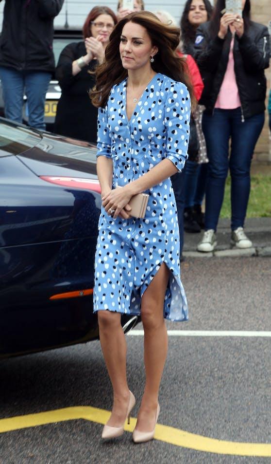 Herzogin Kate im September 2016 in Polka-Dot-Kleid von Altuzarra.