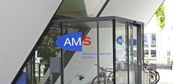 Der Mann war beim AMS gemeldet, obwohl er als Unternehmer tätig war.
