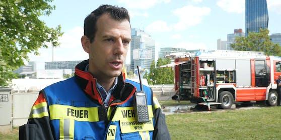 """Feuerwehr-Sprecher Gerald Schimpf sprach mit """"Heute"""" über den dramatischen Einsatz auf der Donauinsel."""